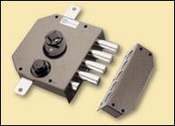 Fechadura com trancas 4 voltas chave telescópica 20530